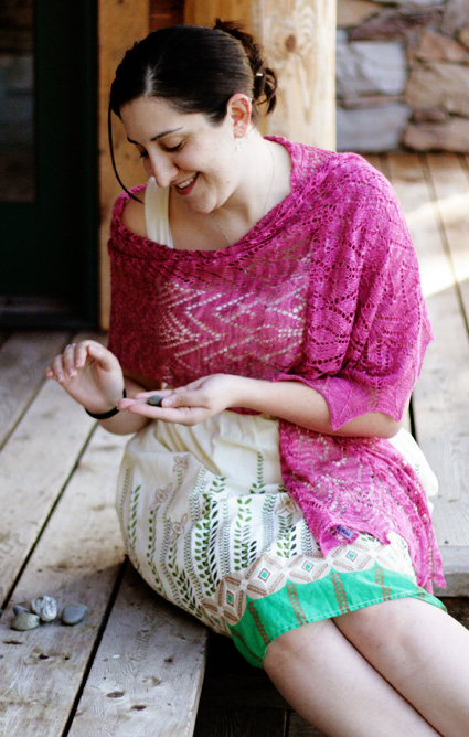 Knitting Patterns For Summer Shawls : Anthemion shawl: Knitty Spring+Summer 2010