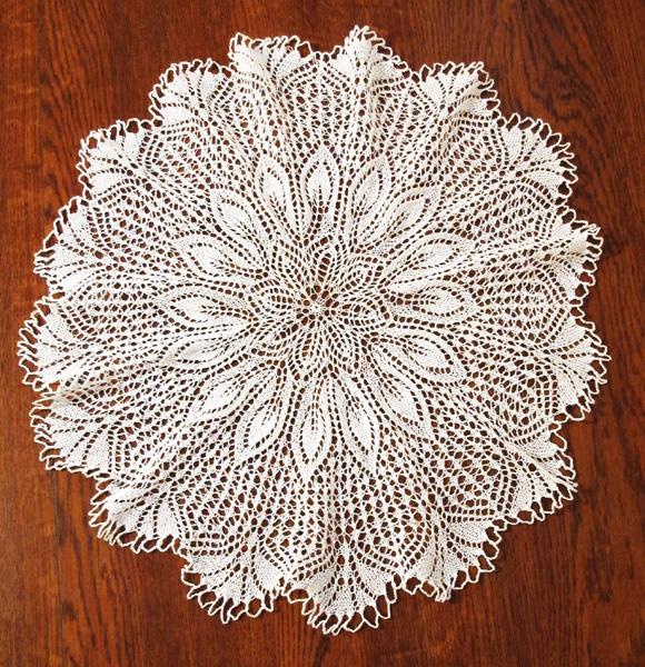 ... Mantilla (Ethnic Knitting Adventures): Knitty Spring+Summer 2012