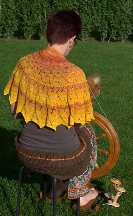 Knitty : Sunday Sunrise shawl : Knittyspin Spring+Summer 2014