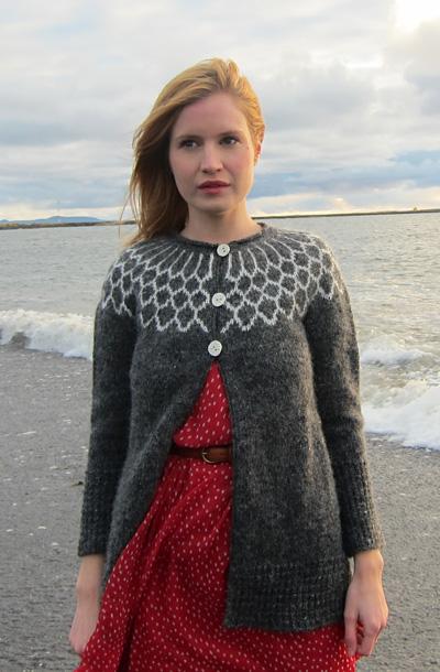 15425ca2e Iðunn cardigan  Knitty Winter 2012