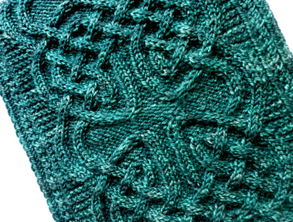 Nennir Cowl Knitty Winter 2012