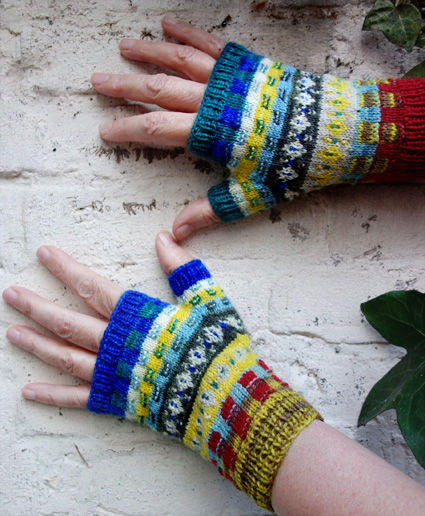 Zazie Fingerless Mitts Knitty Winter 2015