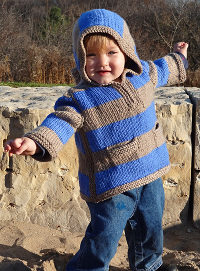 Knitting Pattern For Child s Hooded Sweater : Idaho baby pullover: Knitty Winter bis 2011