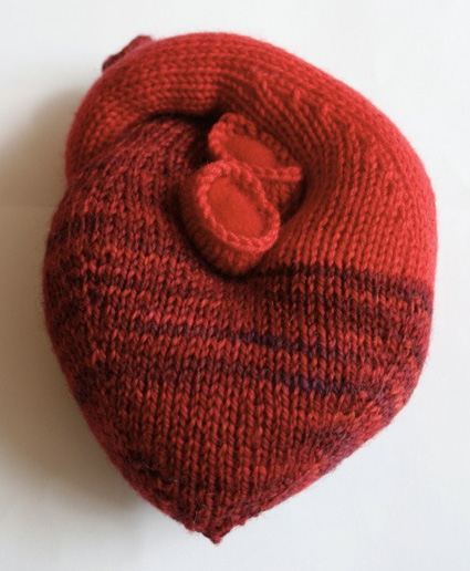 Knitting Patterns For Hearts : Knitty: Heart - Winter 2008